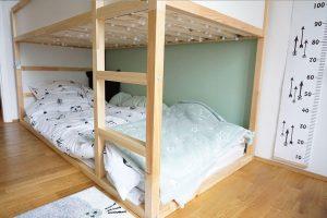 Kinderzimmer Einrichtung Hochbett IKEA KURA Hausbett