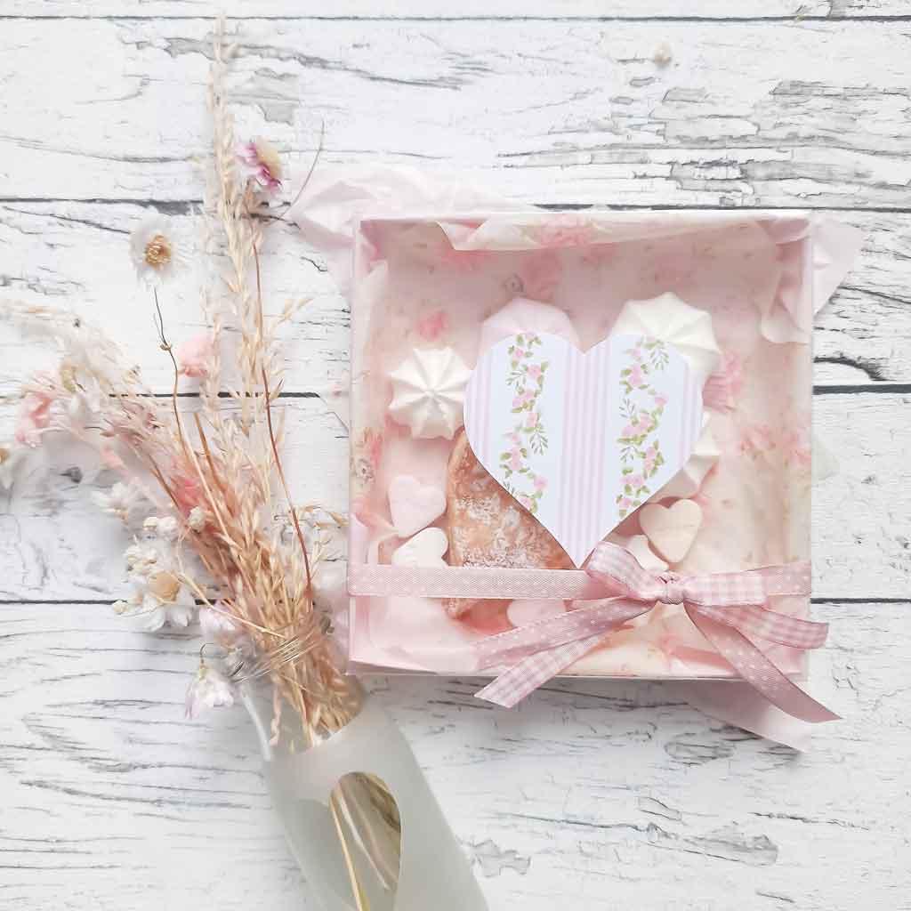 DIY Geschenk zum Valentinstag – Verpackungsidee für Blätterteigherzen