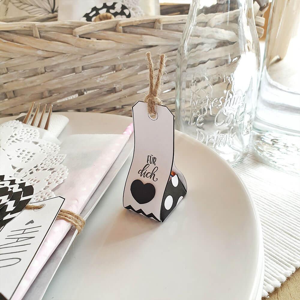 DIY Gastgeschenk schwarz weiß